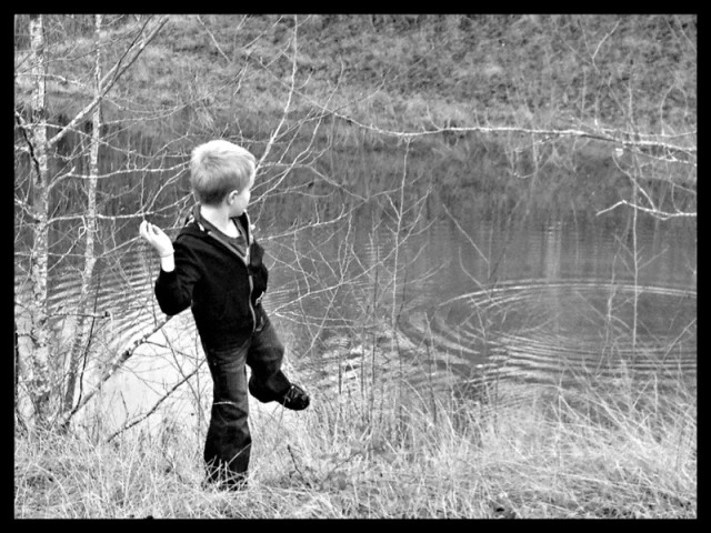 levi skipping rocks